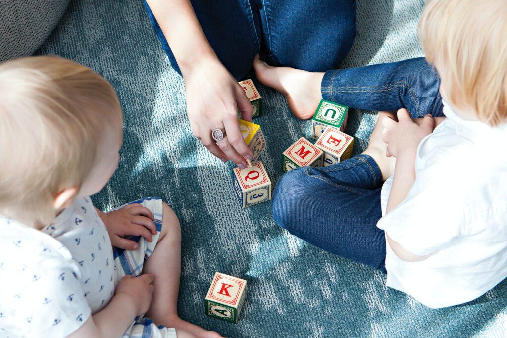 室内で子供と出来る遊び