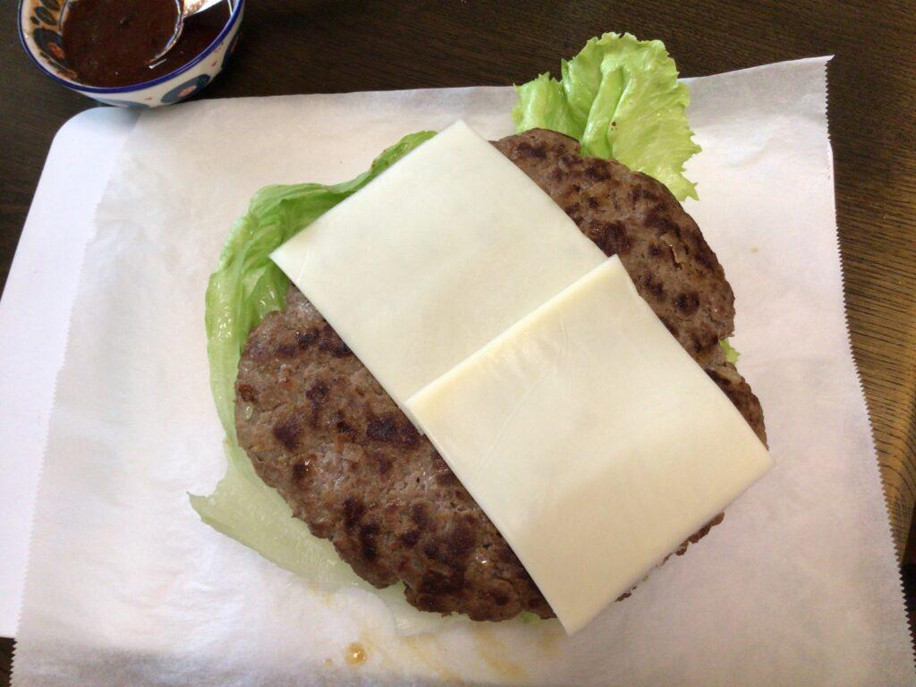 ハンバーガー作りチーズ