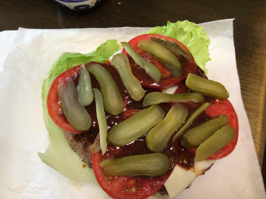 ハンバーガー作りピクルス2